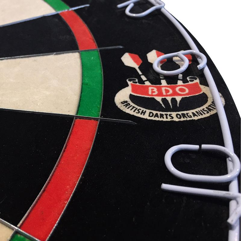 winmau-blade-5-dual-core-wires